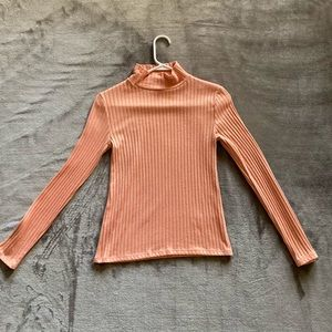 Peach loose turtle neck 🍑